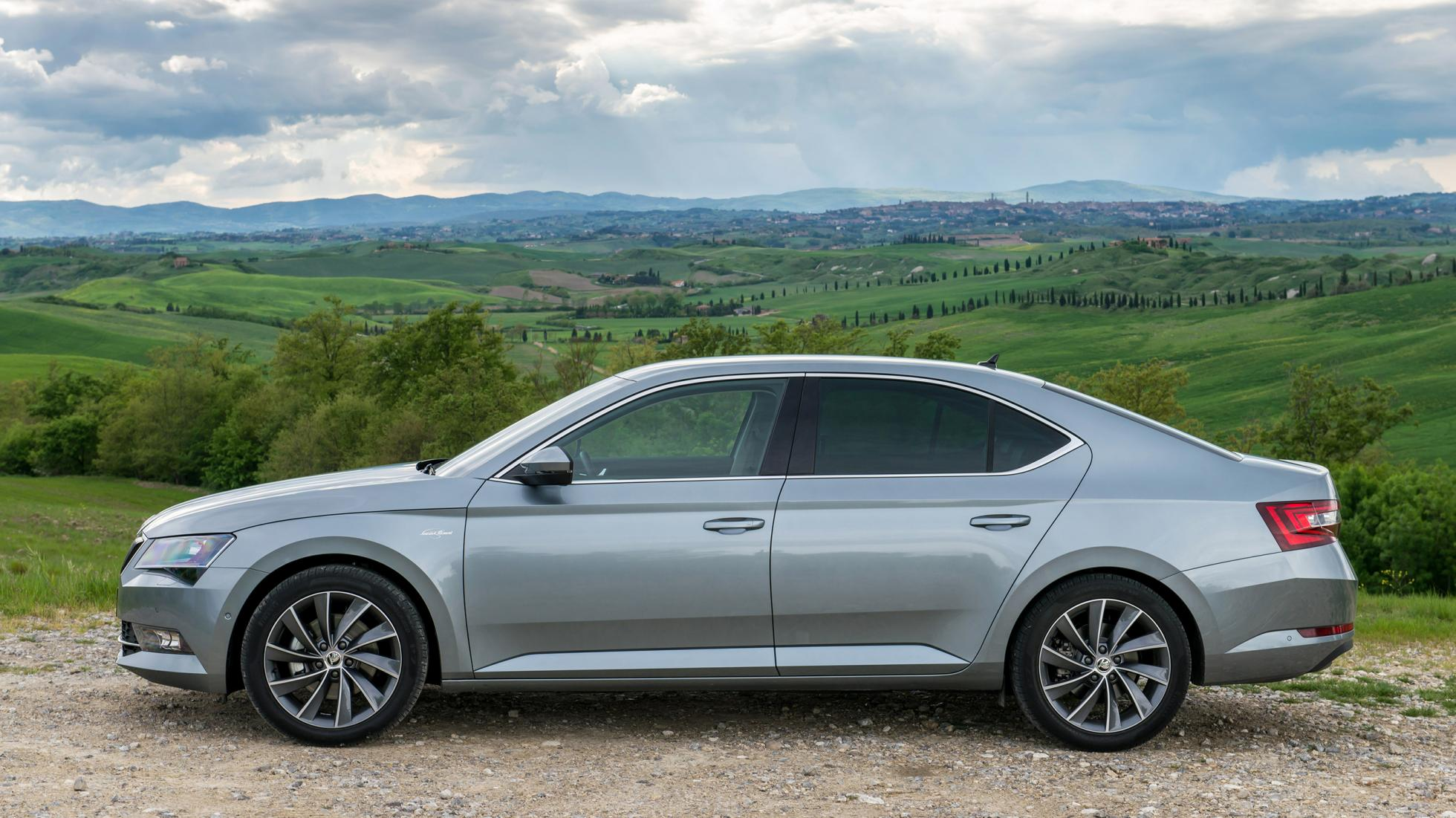 новый Skoda Superb iV